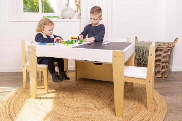 kindertafeltje met speelblad