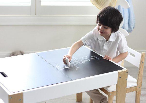 kindertafel met opbergruimte